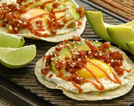 Tacos de Chorizo y Huevos Rancheros