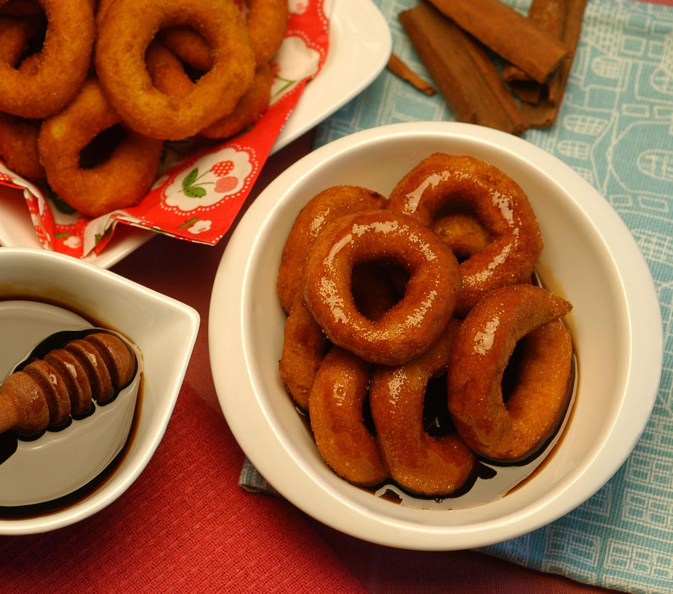 Picarones con Miel de Chancaca