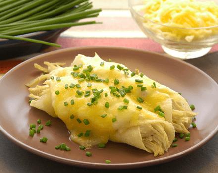 Enchiladas Cremosas de Pollo y Queso