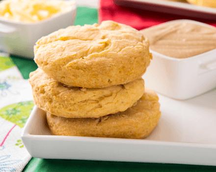 Biscuits de Harina Maíz, Cheddar y Gravy